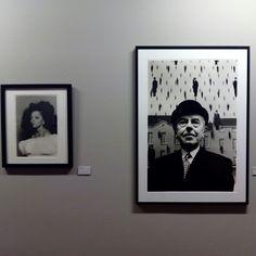 """Magritte en el MOMA en 1965, en la exposición """"Schapiro. Retrospectiva"""" hasta el 23 de Agosto en el Centro de Historias #zaragozaguia #zaragoza #zgz #regalazaragoza #zaragozapaseando #zaragozaturismo #zaragozadestino #miziudad #zaragozeando #mantisgram #magicaragon #loves_zaragoza #loves_aragon #igerszaragoza #igerszgz #igersaragon #instazgz #instamaños #instazaragoza #zaragozamola"""