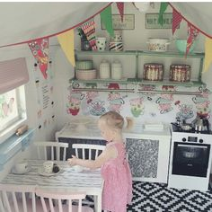 With a mud kitchen outside and a back door to the bamboo garden ! O Eek! Girls Playhouse, Build A Playhouse, Playhouse Outdoor, Playhouse Ideas, Kids Cubby Houses, Kids Cubbies, Play Houses, Playhouse Interior, Wendy House
