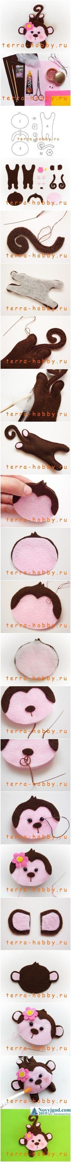 Поделка Обезьянка своими руками из фетра(ткани) Felt Christmas Decorations, Felt Christmas Ornaments, Felt Patterns, Stuffed Toys Patterns, Felt Crafts, Crafts To Make, Cute Sewing Projects, Crochet Bracelet, Baby Kind
