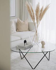 Interior Design Guide, Interior Design Inspiration, Boho Living Room, Living Room Decor, Living Rooms, Paint Colors For Living Room, Stylish Home Decor, Living Room Inspiration, Living Room Furniture