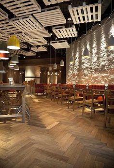 13 elegant trends to decorate your ceiling - davinci - Restaurant Coffee Shop Design, Cafe Design, House Design, Restaurant Concept, Cafe Restaurant, Restaurant Ideas, Deco Pizzeria, Best Ceiling Paint, Plafond Design