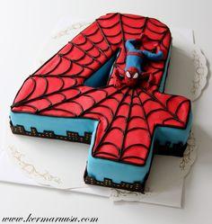 Sain kivan kakkutoiveen 4-vuotiaalle. Muotokakut eivät ole ollenkaan vahvinta alaani mutta tähän toiveeseen tartuin. Aluksi pähkäilin e...