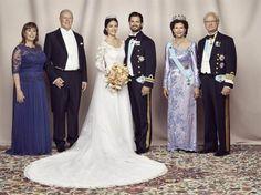 Marie och Erik Hellqvist med prinsessan Sofia Hellqvist och prins Carl Philip tillsammans med drottning Silvia och kung Carl Gustaf
