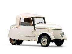 Peugeot VLV, Four batteries, Top speed of 36 kilometres per hour mph) and a range of 50 miles km). Microcar, Weird Cars, Cool Cars, Triumph Motorcycles, Psa Peugeot Citroen, Ducati, Reverse Trike, American Graffiti, City Car