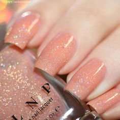 Want some ideas for wedding nail polish designs? This article is a collection of our favorite nail polish designs for your special day. Read for inspiration Peach Nails, White Nails, Peach Colored Nails, Blue Nails, Short Nail Designs, Nail Art Designs, Nails Design, Wedding Nail Polish, Jelly Nails