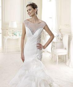 #Nicole #2015Collection  #wedding dress #nicolespose ► http://www.nicolespose.it/it/abito-da-sposa-Nicole--NIAB15101IV-2015?