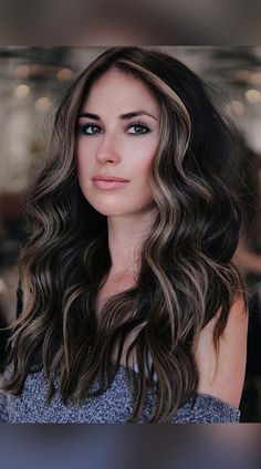Black Hair With Lowlights, Brunette Hair With Highlights, Dark Brunette Hair, Dark Curly Hair, Long Dark Hair, Hair Color Ideas For Black Hair, Black Hair With Brown Highlights, Black Hair With Blonde Highlights, Black Hair Inspiration