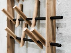 Appendiabiti a parete in bambù COAT FRAME by We Do Wood design Sebastian Jørgensen