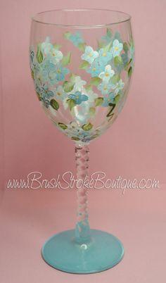 Vidrio de vino pintado a mano - azul Me olvide Nots - personalizadas y copas de vino personalizadas para cumpleaños, boda, fiestas, especiales ocasiones