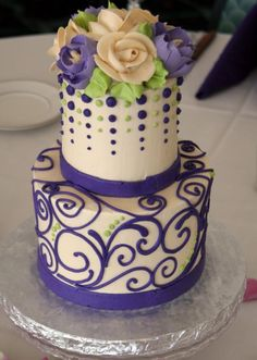 Classic white flower cake shoppe white flower bakery shoppe oh centerpiece cake by white flower cake shoppe mightylinksfo