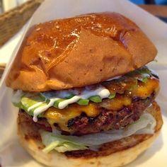 ヤバイうまさのハンバーガー - 12件のもぐもぐ - Avocado BBQ Cheese Burger by Gm7add9