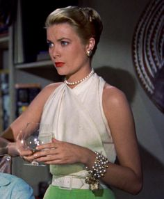 Edith Head design for Grace Kelly, Rear Window - 1954 Moda Grace Kelly, Grace Kelly Style, Grace Kelly Fashion, Grace Kelly Dresses, Old Hollywood Glamour, Golden Age Of Hollywood, Classic Hollywood, Hollywood Stars, Hollywood Icons