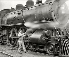 Michigan Central Railroad. Oiling up before the start, 1904