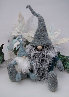Yuletide Gnomes @Ravelry  OMG, I WANT ONE or a dozen!!!!!