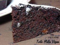 Torta Matta al Cioccolato veg (metti almeno 150 gr cioccolato) Sugar Free Desserts, Vegan Desserts, Vegan Recipes, Dessert Recipes, Healthy Cake, Vegan Cake, Tortilla Sana, Sweet Light, Sin Gluten