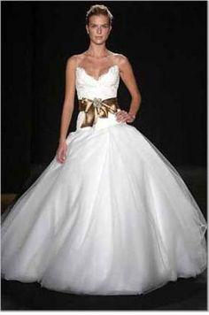 Monique Lhuillier Madison size 10 Looks like swan lake dress « Weddingbee Classifieds