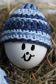 Goed gemutst. Leuk mutsje voor een ei te gebruiken als eierwarmer, op een schaal of om op te hangen in een Paastak