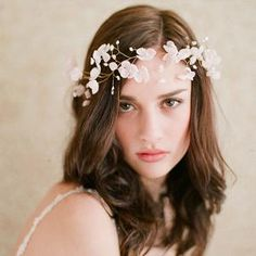 ウエディングアクセサリー 花冠 花輪 花飾り 髪飾り ヘッドアクセサリー ヘッドアクセ 結婚式 二次会 ガーデンウエディング 可愛い