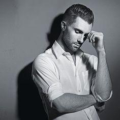 Adam Levine has the perfect scruff.I'm workin on it.. #swag