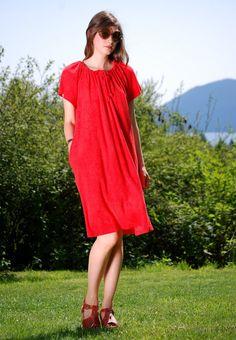 70's Red Terry Cloth Dress, Short Flutter Sleeve Beach Caftan Kaftan, Cherry Red Gathered Drawstring Dress, Lounge Wear Vacation Dress