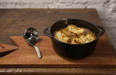 Sopa de cebola gratinada: receita clássica francesa