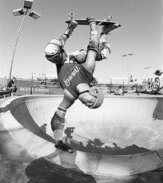 Neil Blender 1984 Old School Skateboards, Vintage Skateboards, Skate And Destroy, Rolling Thunder, Tony Hawk, Eggplants, Dynamic Poses, Skate Park, Thrasher