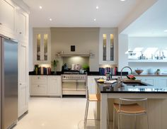 Harvey Jones Shaker kitchen with tall height glazed storage cupboards Bespoke Kitchens, Grey Kitchens, Home Kitchens, Kitchen Living, New Kitchen, Kitchen Decor, Kitchen Ideas, Kitchen Chimney, Conservatory Kitchen