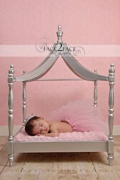 4940e93e99fc Baby girl Newborn Bed, Baby Pictures, Baby Photos, Little Girls, Little Ones