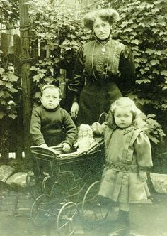 Catherine in 1912 with 2 of her children - Catherine Jane Wallis was a widow when she worked on Titanic as a assistant matron in 3rd class, her husband having died in 1911. The couple had 4 children. She died in the sinking, & her body, if recovered, was never identified. Catherine's estate, valued at £37, 15s, was administered to Mrs Annie Maria Norton, a family friend. The children were taken into the care of relatives & received financial aid from the Mansion House Titanic Relief Fund