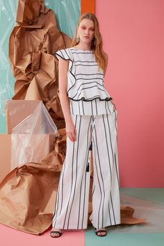 Gizia offers all the variations of women's high fashion and trends. High Fashion, Women Wear, Spring Summer, Seasons, Shirt Dress, Shirts, Collections, Dresses, Gowns