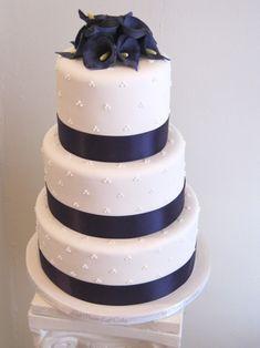 "purple theme wedding cake - make one layer ""red velvet"""