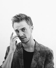 Tom Felton - I can't take it, I just can't. Draco And Hermione, Harry Potter Draco Malfoy, Harry Potter Cast, Harry Potter Movies, Hermione Granger, Severus Snape, Ron Weasley, Hp Movies, Dramione