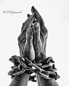 Struggles, Part II, Chains of the Past – Broken Light: A Photography Collective Jesus Drawings, Pencil Art Drawings, Art Sketches, Hand Photography, Creative Photography, Hand Fotografie, Theme Tattoo, Portraits Illustrés, Hand Kunst