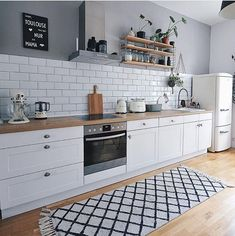 The Perfect Scandinavian Style Home Scandinavian Style Home, Scandinavian Kitchen, Scandinavian Interior Design, Kitchen Furniture, Kitchen Interior, Kitchen Decor, Skandi Kitchen, Interior Plants, Interior Design Minimalist