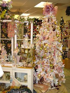 victorian christmas decorations | ... Victorian decor we fill a white tree with Victorian scrap ornaments