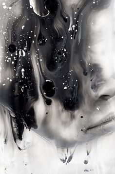 Januz Miralles creates abstract portraits of human figures by mixing multiple painting techniques with digital photo manipulation and photography. Plakat Design, Kunst Online, Online Art, Arte Obscura, Estilo Rock, A Level Art, Abstract Portrait, Foto Art, Art Abstrait