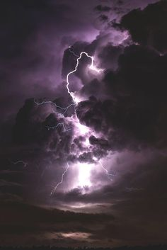 sky, lightning, and clouds resmi Storm Wallpaper, Iphone Background Wallpaper, Nature Wallpaper, Sky Aesthetic, Purple Aesthetic, Aesthetic Vintage, Lightning Photography, Nature Photography, Storm Photography
