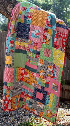 Cherie @ the red pistachio, via Flickr Squares and Strips Quilt pattern