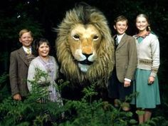 The Pevensie children with Aslan from the 1988 BBC version of the story. From left to right: Jonathan Scott (Edmund), Sophie Wilcox (Lucy), Richard Dempsey (Peter), and Sophie Cook (Susan). The White Witch was played by Barbara Kellerman. Period Drama Movies, British Period Dramas, 1980s Childhood, My Childhood Memories, V Drama, Science Fiction, Mystery, Den Of Geek, Nerd