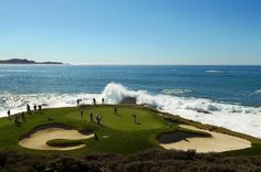 Photo Gallery fo Gorgeous Pebble Beach Golf Links: Waves Crashing at No. 7