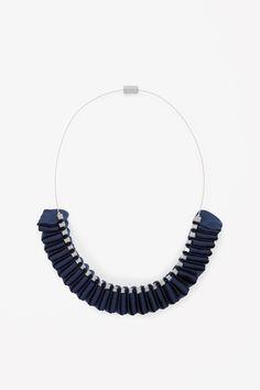 COS | Folded ribbon necklace