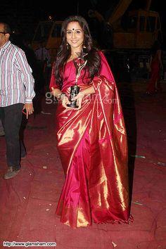 Vidya balan in kanjeevaram silk saree pics | Vidya balan, Silk ...