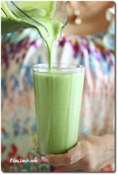 Vegetable Smoothies, Easy Smoothies, Smoothie Blender, Smoothie Drinks, Best Blenders, Protein Shakes, Clean Eating Snacks, Nutribullet, Glass Of Milk