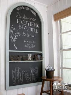 Diy Furniture Wall-Mounted Repurposed Screen Door Chalkboard by Prodigal Pieces Diy Furniture Projects, Furniture Makeover, Home Projects, Chalkboard Labels, Chalkboard Art, Screen Door Pantry, Wooden Screen, Old Doors, Decoration