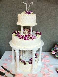 Wedding cake done by Gayla's Classic Photography & Cakes