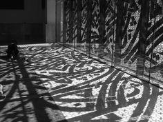 Prayer hall at the campus of the King Abdullah University in Saudi Arabia (photo: © Nja Mahdaoui) Saudi Arabia Photos, Art Folder, Art Programs, Calligraphy Art, Art And Architecture, Islamic Architecture, Islamic Art, African Art, Installation Art