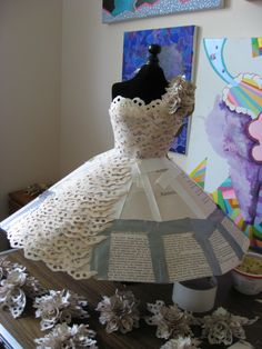 Carrie Ann Schumacher - Mini robe papier en cours de travail