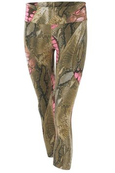 These Pheel Snake Print Capri Leggings are equally as good from a workout to street style doubling their wardrobe potential! The four way stretch & moisture wicking super stretch fabrication is made up in blush tones and snake print for a trendy and fashion forward feel. Let your style standout!   Snake Print Leggings by Pheel. Clothing - Bottoms - Pants & Leggings - Leggings New York... - Total Street Style Looks And Fashion Outfit Ideas