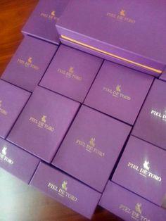 En estas cajas se esconden nuestros numerosos #complementos. ¿Te atreves a descubrir lo que hay dentro?