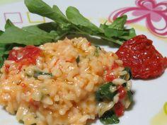 Receita de Risoto de tomate seco e rúcula. Enviada por Aryangela Thais Sanchez Magro e demora apenas 50 minutos.
